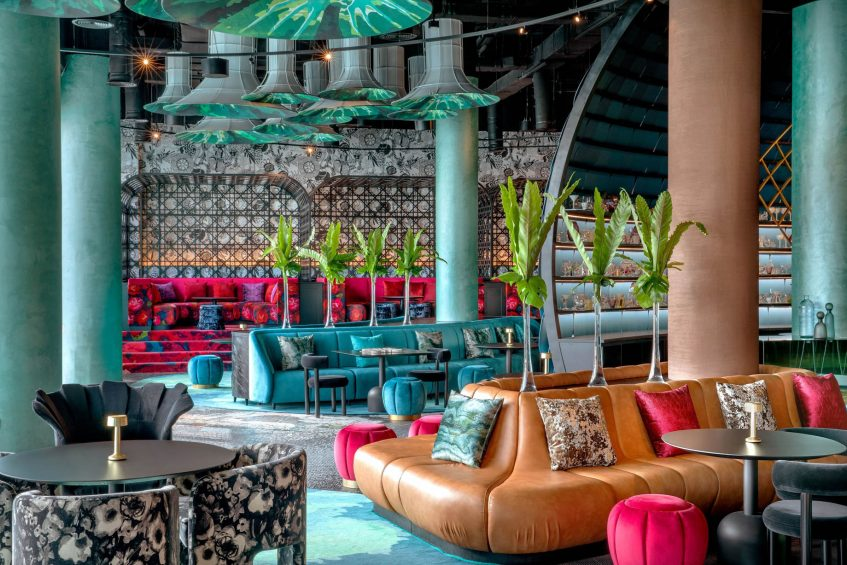 W Abu Dhabi Yas Island Luxury Hotel - Abu Dhabi, UAE - W Lounge Area