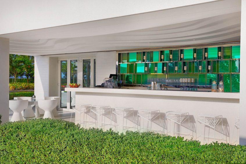 W Muscat Luxury Resort - Muscat, Oman - WET Deck Outdoor Bar
