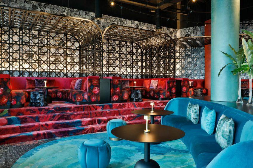 W Abu Dhabi Yas Island Luxury Hotel - Abu Dhabi, UAE - W Lounge