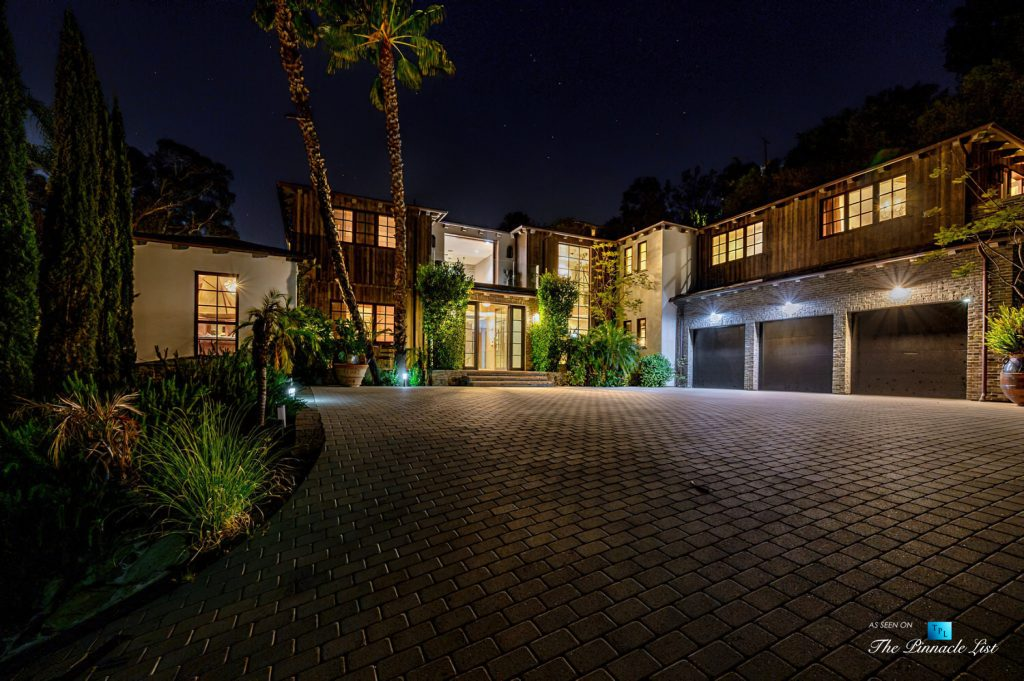 1105 Rivas Canyon Rd, Pacific Palisades, CA, USA - Luxury Real Estate - Night View
