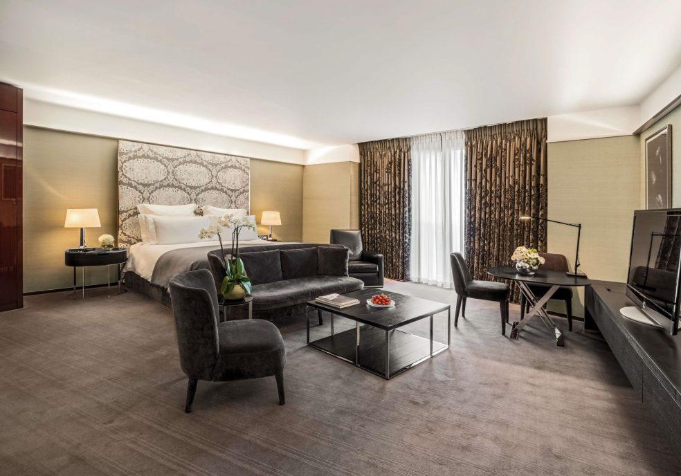 Bvlgari Luxury Hotel London - Knightsbridge, London, UK - Guest Suite Bedroom