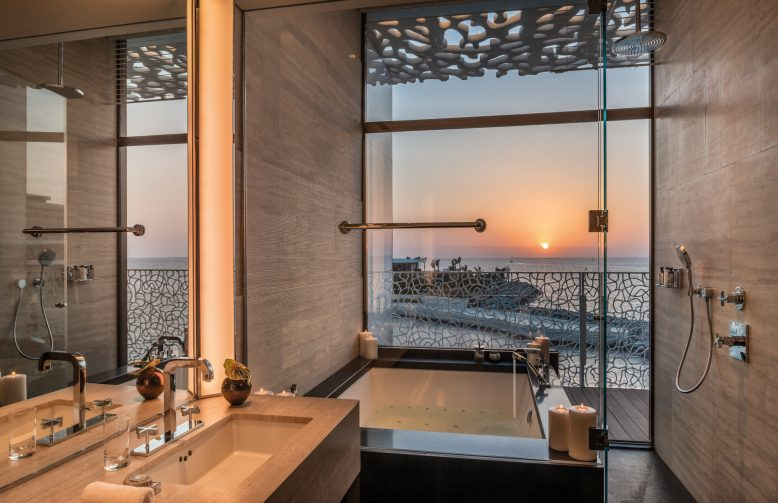 Bvlgari Luxury Resort Dubai - Jumeira Bay Island, Dubai, UAE - Bulgari Suite Bathroom Sunset