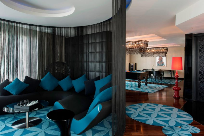 W Doha Luxury Hotel - Doha, Qatar - E WOW Suite Living Room