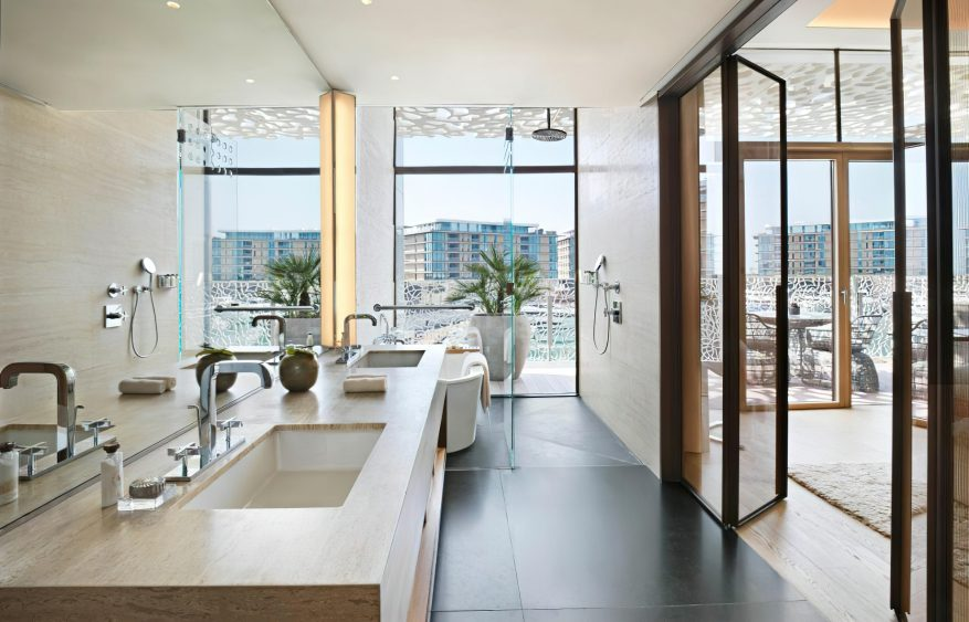 Bvlgari Luxury Resort Dubai - Jumeira Bay Island, Dubai, UAE - Guest Suite Bathroom