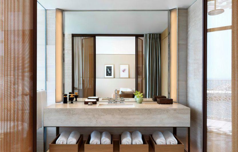 Bvlgari Luxury Resort Dubai - Jumeira Bay Island, Dubai, UAE - Guest Suite Bathroom Vanity