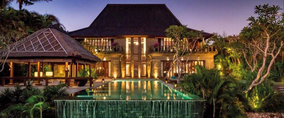 Bvlgari Luxury Resort Bali - Uluwatu, Bali, Indonesia - The Bvlgari Villa Exterior Pool Deck Night