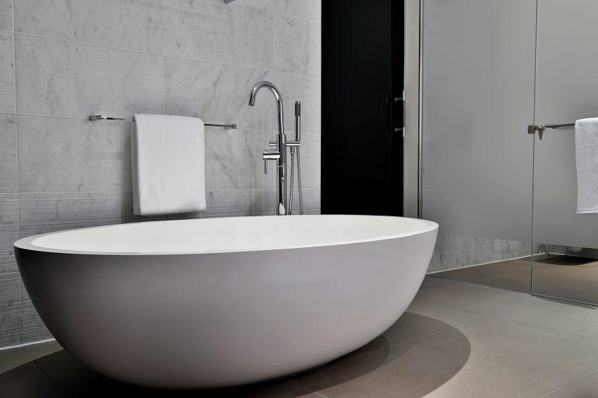 W Abu Dhabi Yas Island Luxury Hotel - Abu Dhabi, UAE - Fantastic Suite Bathroom Tub