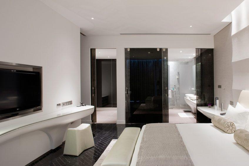 W Abu Dhabi Yas Island Luxury Hotel - Abu Dhabi, UAE - Fantastic Suite King Bedroom and Bathroom