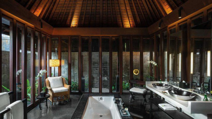 Bvlgari Luxury Resort Bali - Uluwatu, Bali, Indonesia - The Bvlgari Villa Bathroom