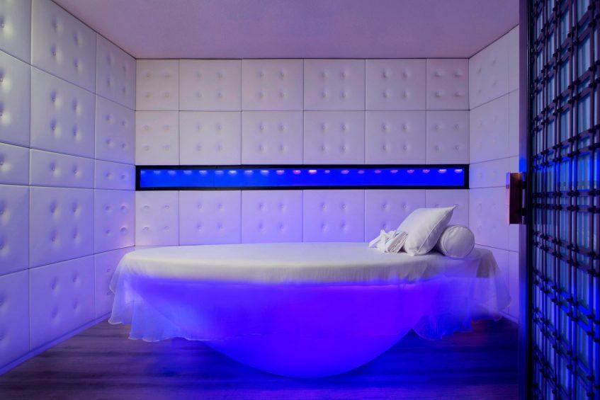 W Bangkok Luxury Hotel - Bangkok, Thailand - AWAY Spa Sensory Treatment Table