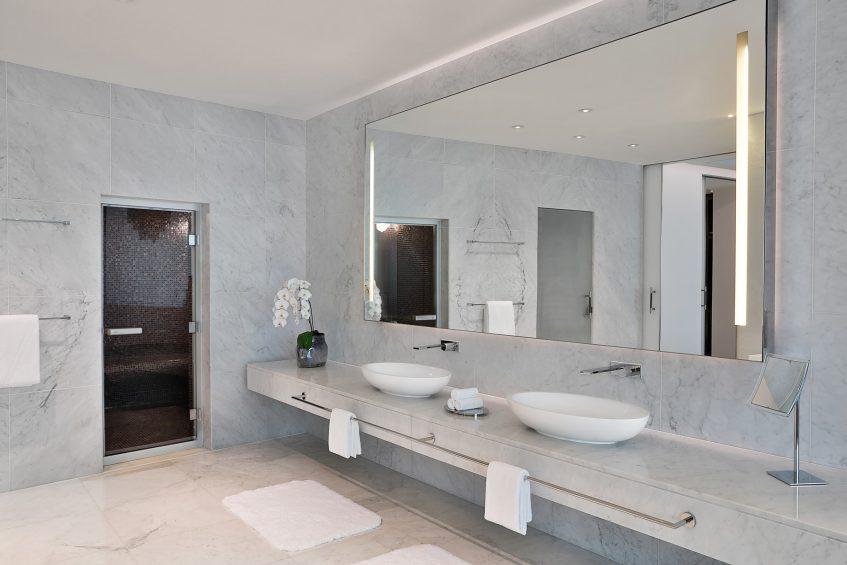 W Abu Dhabi Yas Island Luxury Hotel - Abu Dhabi, UAE - E WOW Suite Bathroom Vanity