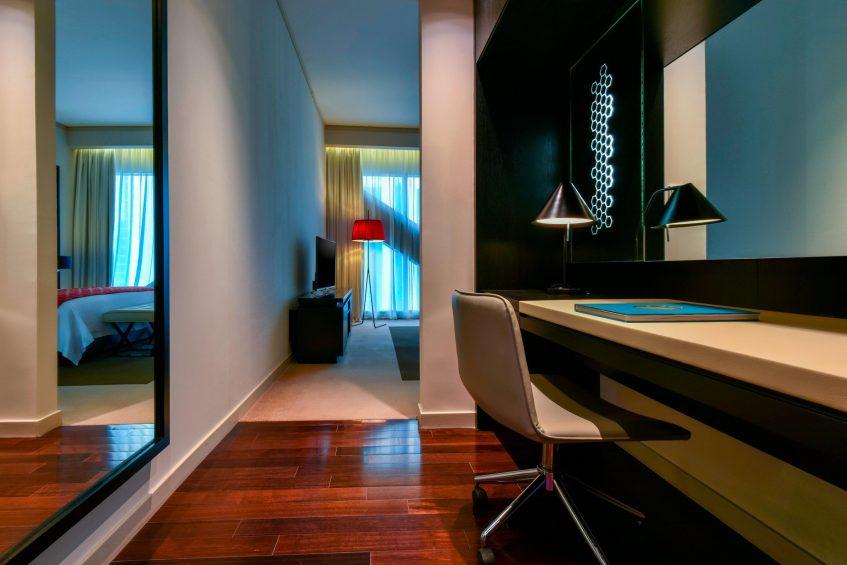 W Doha Luxury Hotel - Doha, Qatar - Wonderful Residence Desk