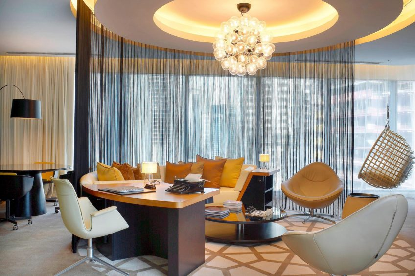 W Doha Luxury Hotel - Doha, Qatar - W Suite Living Area