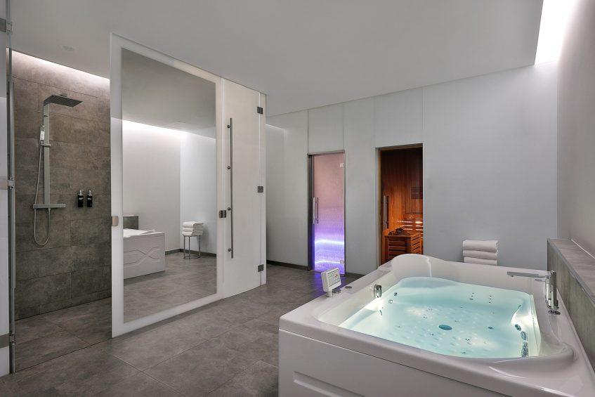W Abu Dhabi Yas Island Luxury Hotel - Abu Dhabi, UAE - FIT Gym Jacuzzi