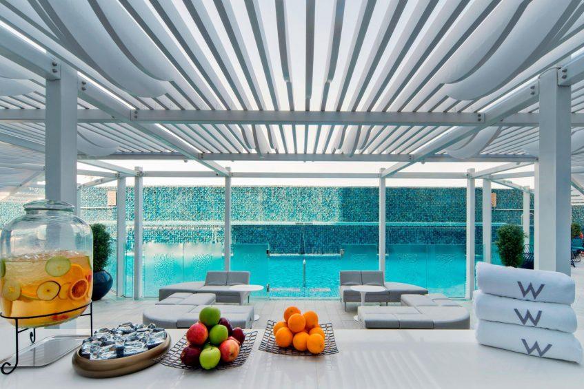 W Doha Luxury Hotel - Doha, Qatar - WET Deck Pool Lounge