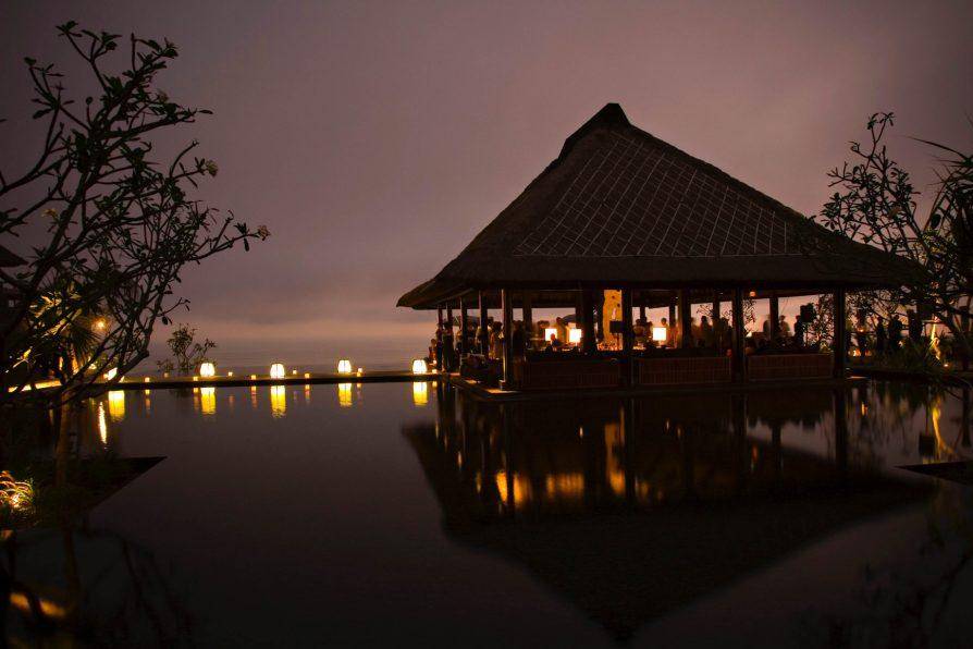 Bvlgari Luxury Resort Bali - Uluwatu, Bali, Indonesia - Bvlgari Bar Ocean View Night