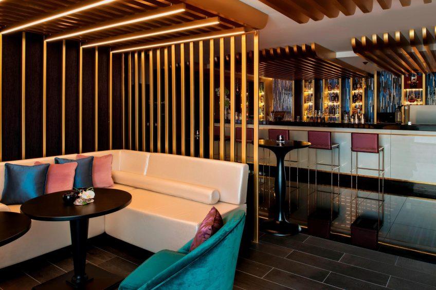 W Doha Luxury Hotel - Doha, Qatar - Wahm Lounge Booth