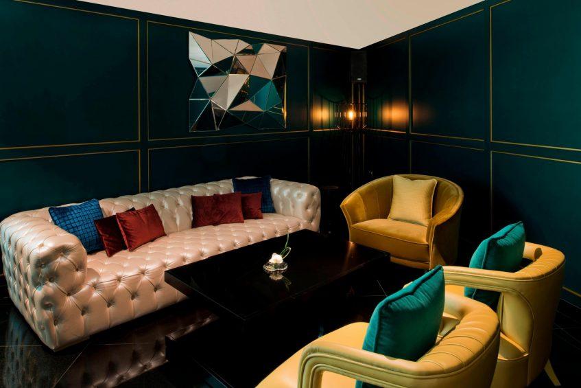 W Doha Luxury Hotel - Doha, Qatar - Wahm Lounge Private Seating