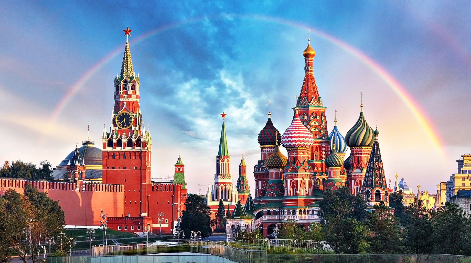 Red Square - Moscow Kremlin & Saint Basil's Cathedral - Moscow, Russia - Top 10 Luxury Travel Destinations Around the World