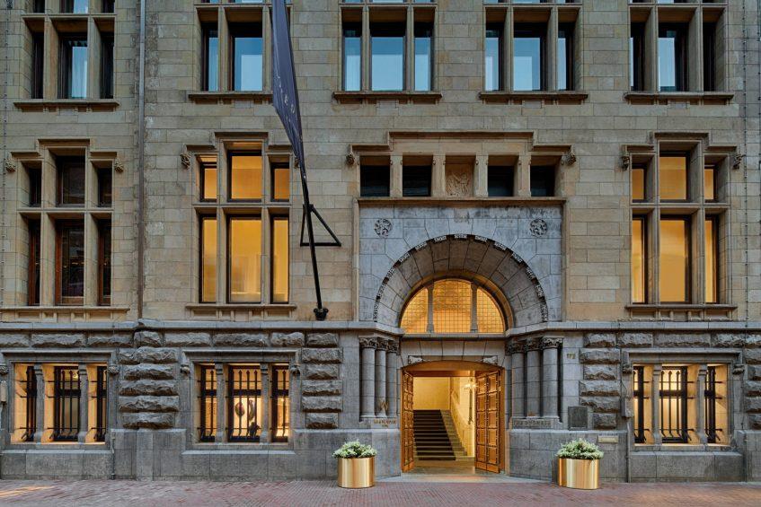 W Amsterdam Luxury Hotel - Amsterdam, Netherlands - Bank Entrance