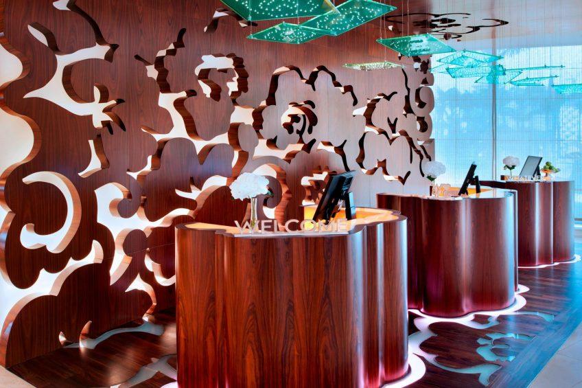 W Singapore Sentosa Cove Luxury Hotel - Singapore - Entrance Welcome Desk