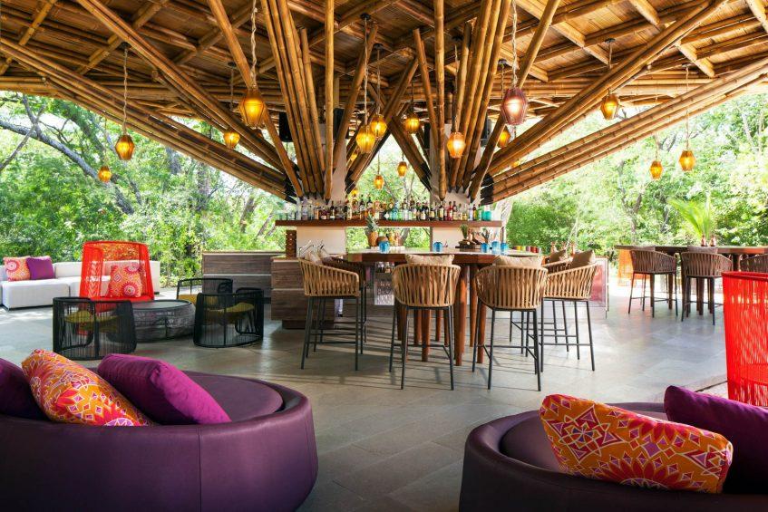 W Costa Rica Reserva Conchal Luxury Resort - Costa Rica - Zona Azul Beach Club Bar