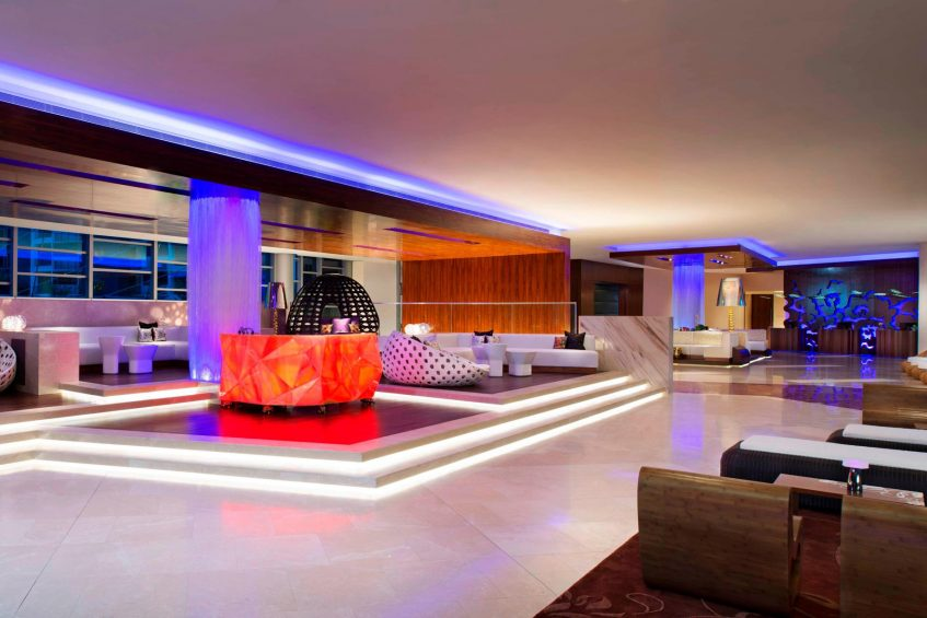 W Singapore Sentosa Cove Luxury Hotel - Singapore - W Lounge DJ Booth