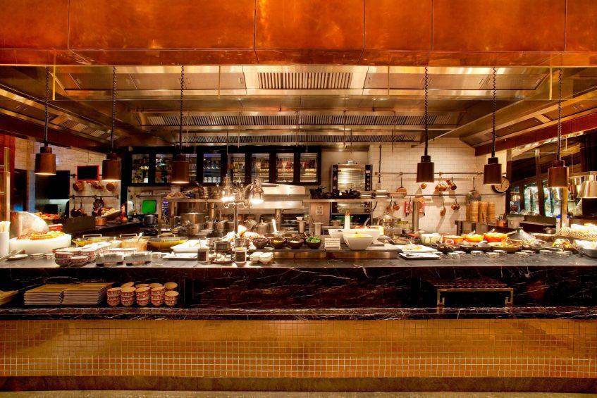 W Hong Kong Luxury Hotel - Hong Kong - KITCHEN Restaurant Dining