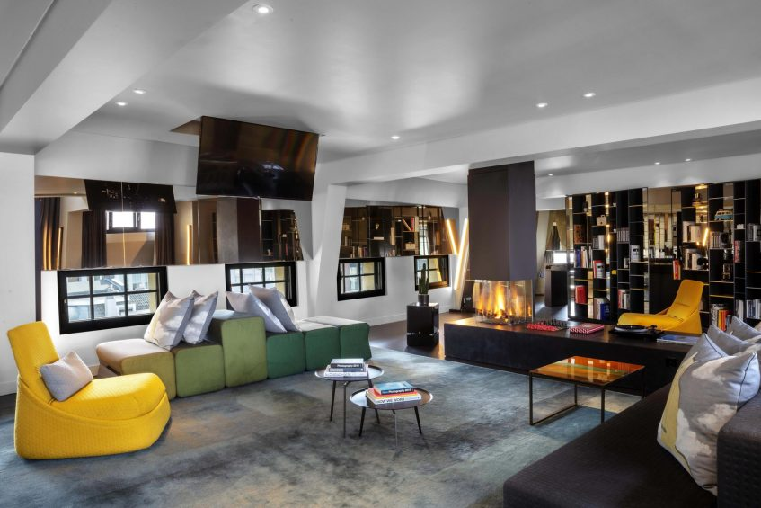 W Amsterdam Luxury Hotel - Amsterdam, Netherlands - Extreme WOW Bank One Bedroom Suite Living Area