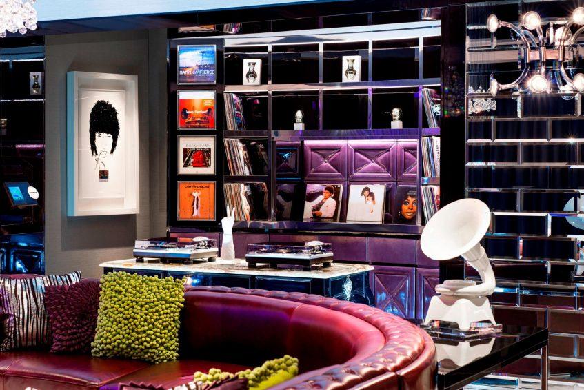 W Singapore Sentosa Cove Luxury Hotel - Singapore - Extreme WOW Suite DJ Booth