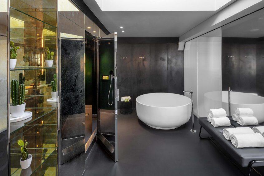 W Amsterdam Luxury Hotel - Amsterdam, Netherlands - Extreme WOW Bank One Bedroom Suite Bathroom