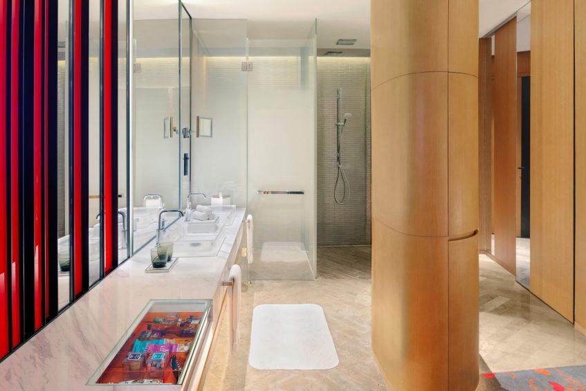 W Shanghai The Bund Luxury Hotel - Shanghai, China - Fabulous Bund View Guest Bathroom