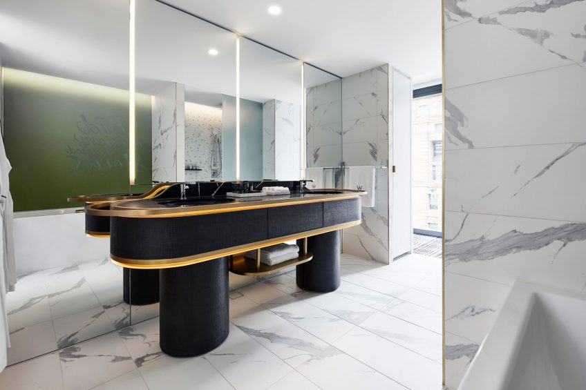 W Melbourne Luxury Hotel - Melbourne, Australia - Fantastic Suite Bathroom