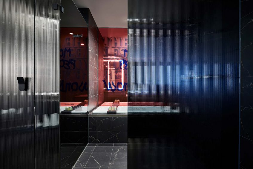 W Melbourne Luxury Hotel - Melbourne, Australia - Guest Room Bathroom