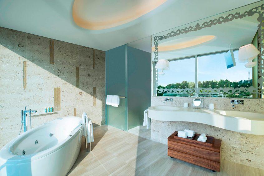 W Singapore Sentosa Cove Luxury Hotel - Singapore - Fantastic Suite Bathroom