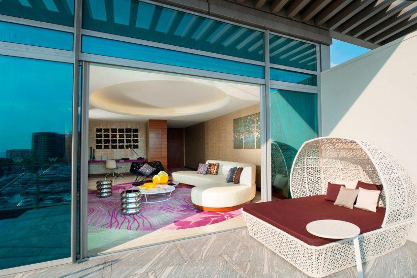 W Singapore Sentosa Cove Luxury Hotel - Singapore - Fantastic Suite Living Area