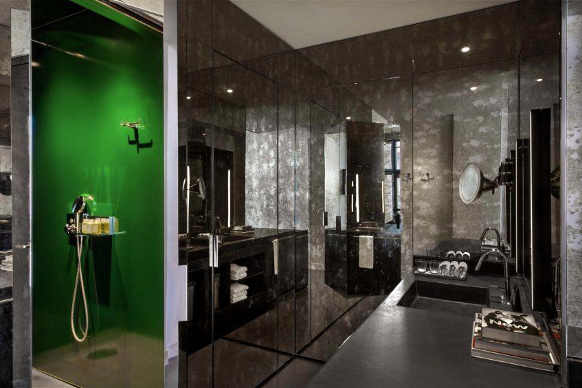 W Amsterdam Luxury Hotel - Amsterdam, Netherlands - Fabulous Bank Guest Bathroom