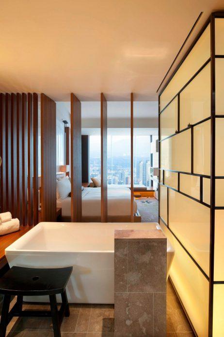W Taipei Luxury Hotel - Taipei, Taiwan - Fabulous Guest Room Tub