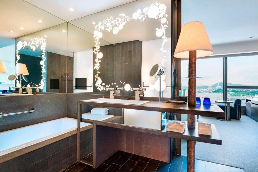W Hong Kong Luxury Hotel - Hong Kong - Guest Room Bathroom Vanity