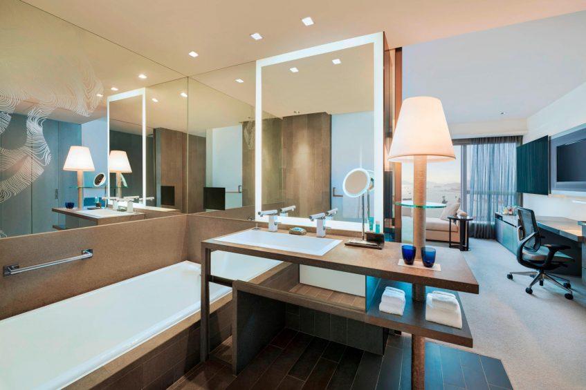 W Hong Kong Luxury Hotel - Hong Kong - Guest Room Bathroom