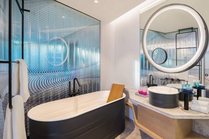 W Brisbane Luxury Hotel - Brisbane, Australia - Guest Bathroom