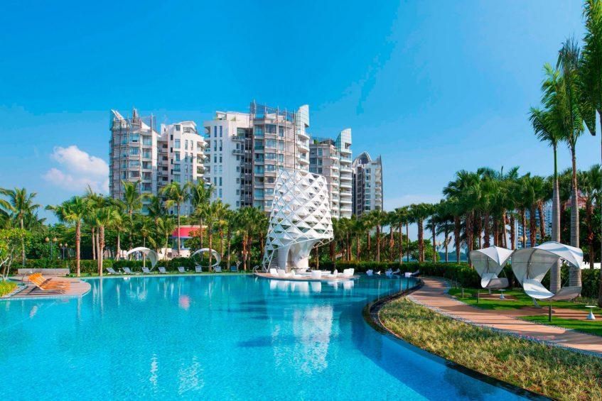 W Singapore Sentosa Cove Luxury Hotel - Singapore - WET Pool Lighthouse