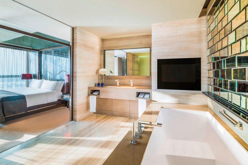 W Hong Kong Luxury Hotel - Hong Kong - WOW Suite Bathroom