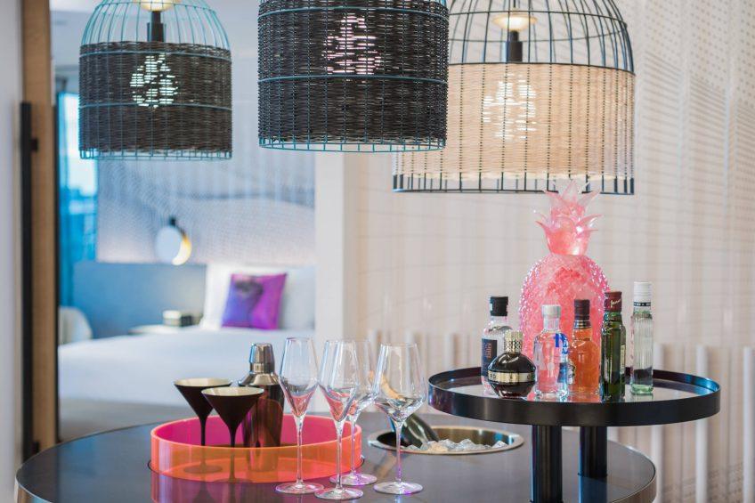 W Brisbane Luxury Hotel - Brisbane, Australia - Suite W MixBar