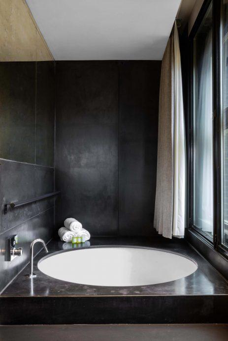 W Amsterdam Luxury Hotel - Amsterdam, Netherlands - Studio Bank Suite Tub