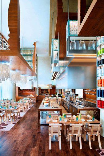 W Singapore Sentosa Cove Luxury Hotel - Singapore - The Kitchen Table Restaurant Seating