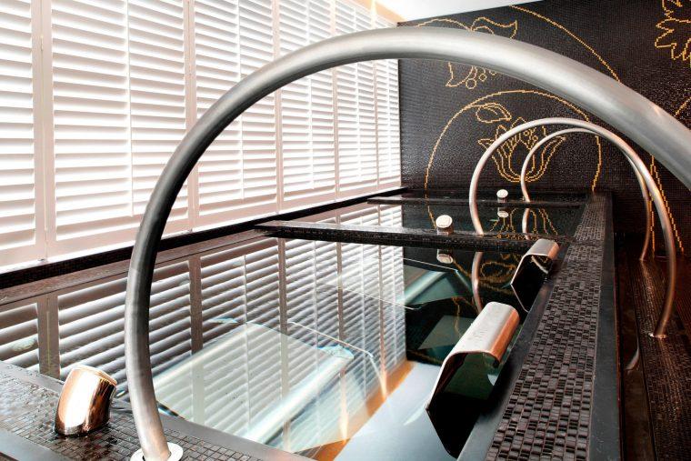 W Taipei Luxury Hotel - Taipei, Taiwan - FIT Change Room