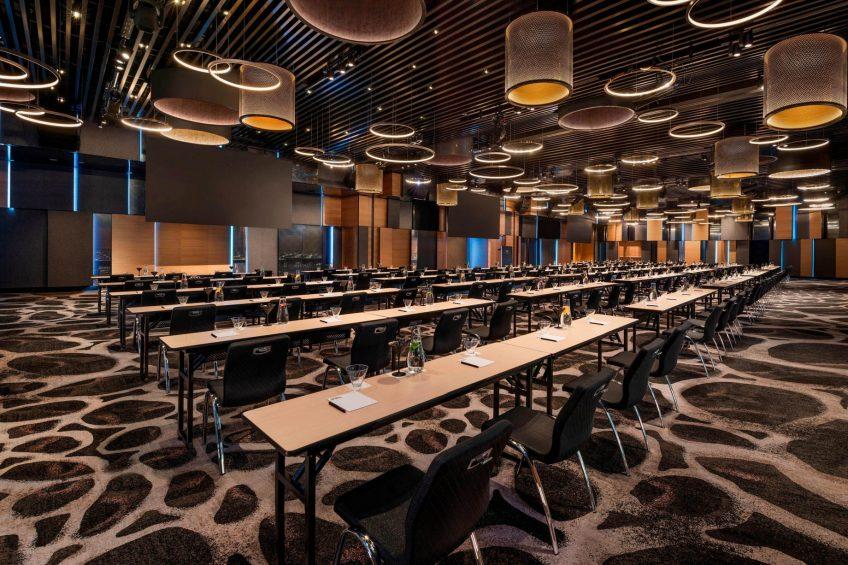 W Brisbane Luxury Hotel - Brisbane, Australia - Great Room Classroom Set Up