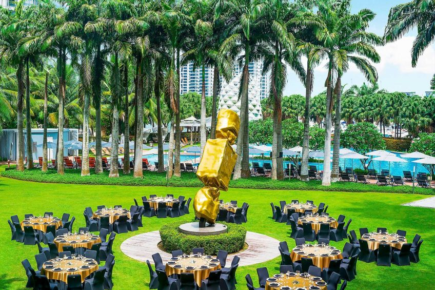 W Singapore Sentosa Cove Luxury Hotel - Singapore - W Lawn Setup Tables