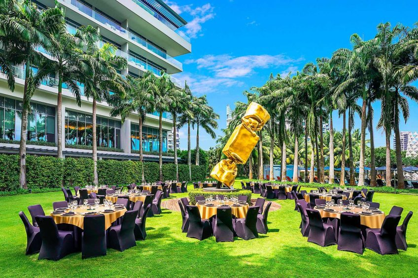 W Singapore Sentosa Cove Luxury Hotel - Singapore - W Lawn Setup